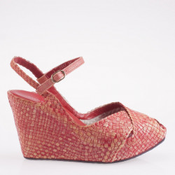 Fatima wedge in woven coral leather