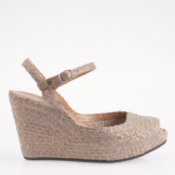 Fatima wedge in woven camel leather