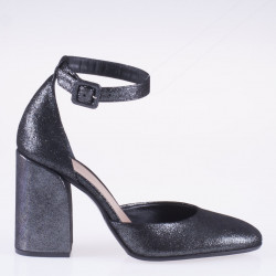 Black velvet mid heel shoes