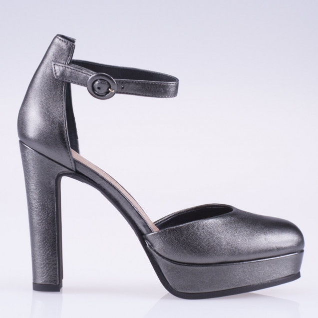 Steel metallic leather platform pump
