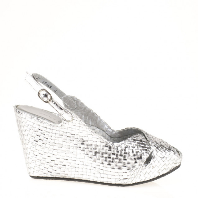 Fatima wedge in woven metallic silver leather