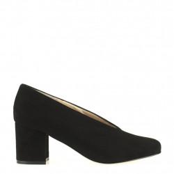 Chunky heel black pump