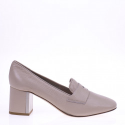 Beige heeled loafer