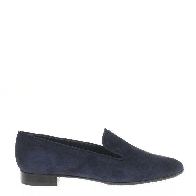 Blue suede pointy toe slipper