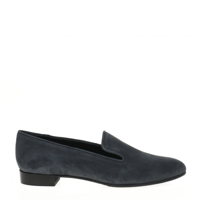 Grey suede pointy toe slipper
