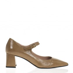 Beige patent leather mary jane