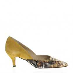 Pointy toe yellow snake leather pump