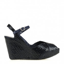 Fatima wedge in woven blue leather