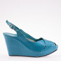 Fatima wedge in woven turquoise leather