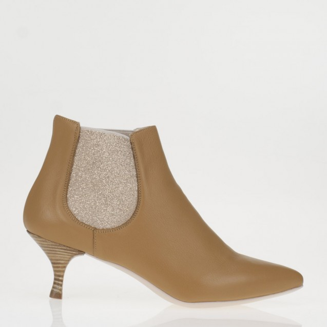 Tobacco leather chelsea boot