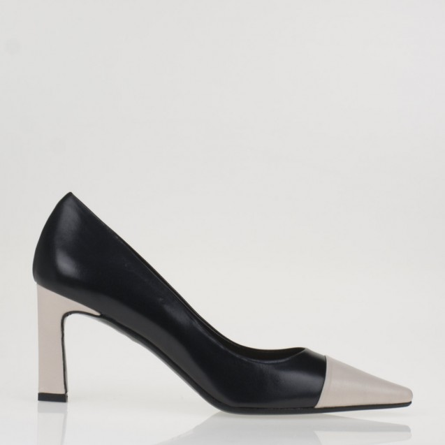 Black and nude pump