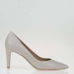 Pointy toe nude leather pump