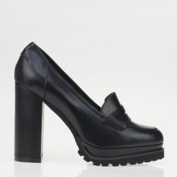Platform black loafer