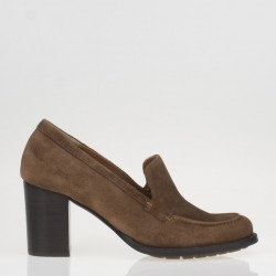 Cognac heeled loafer