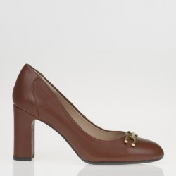 High brown pump