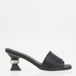 Sculpture heel black mule