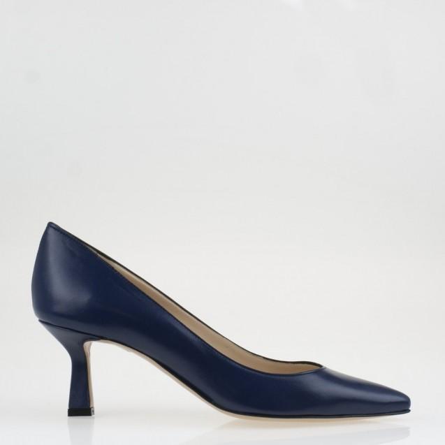 Nude leather medium heel pump