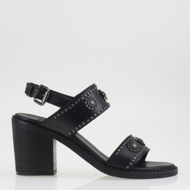 Sandalo nero borchiato con il tacco