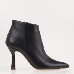 Black medium heel ankle boots