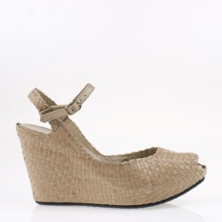 Fatima wedge in woven ivory leather