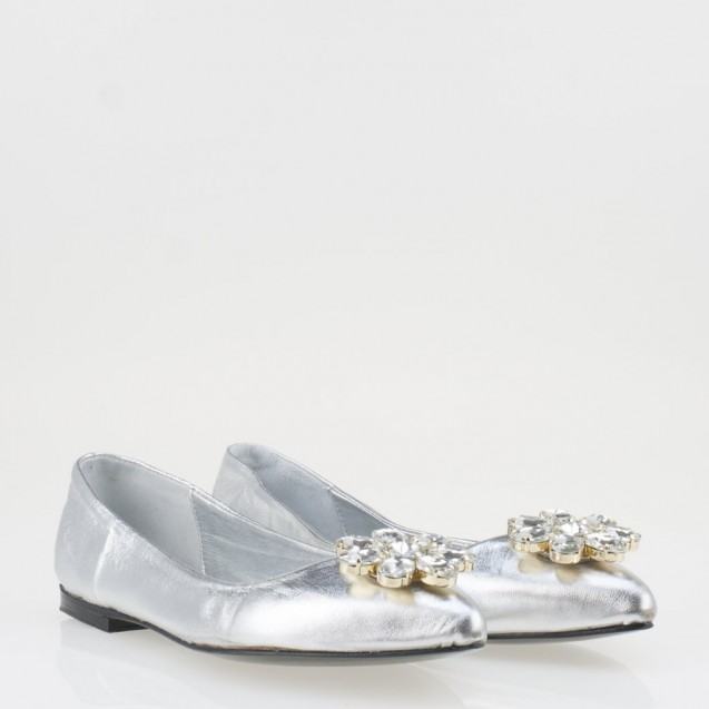 Silver flat buckle shoes