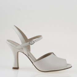 Ivory leather sandal