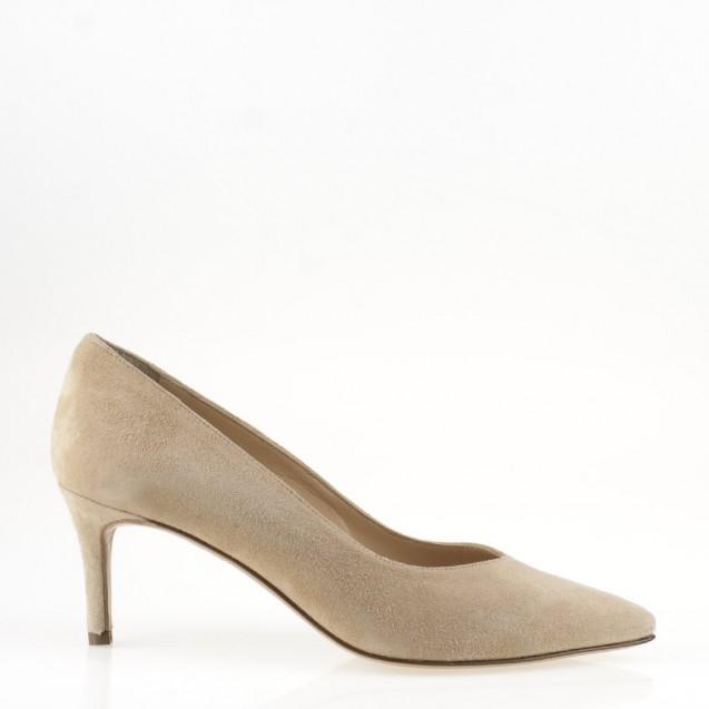 Nude suede medium heel pump