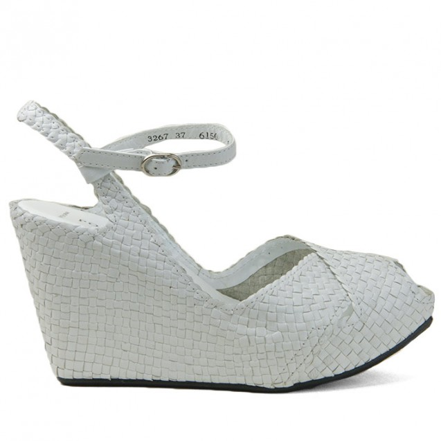 Fatima wedge in woven white leather