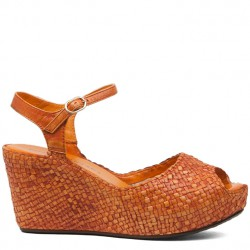 Karen wedge in woven orange leather
