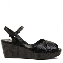 Blanca wedge in woven black leather