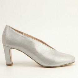 Silver round toe medium heel pump