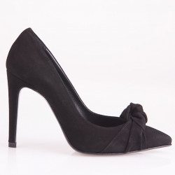 Knotted black suede pump