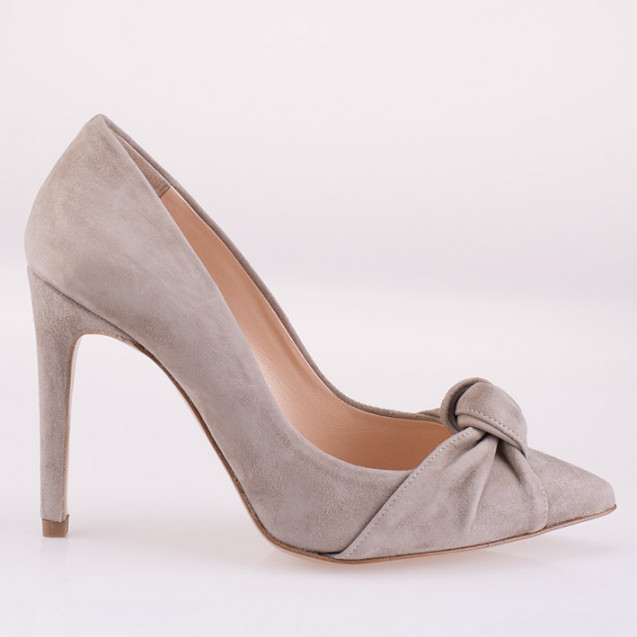 Knotted ice suede pump