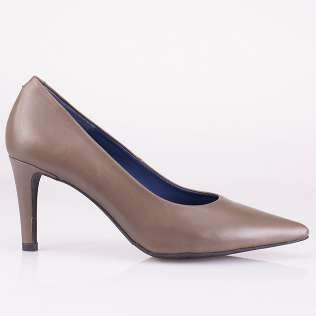 Pointy toe taupe leather pump