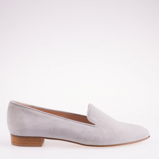 Light grey suede pointy toe slipper