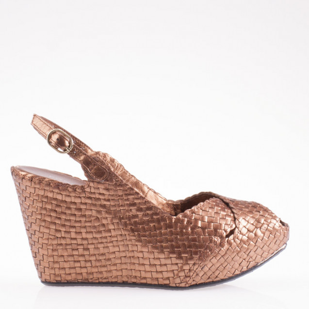 Fatima wedge in woven bronze leather